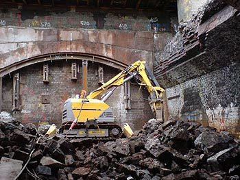 Brokk-demolition-machine-waterloo-350p